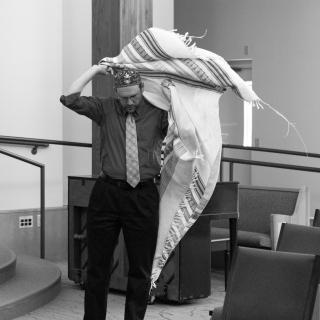 super tallis rabbi mo